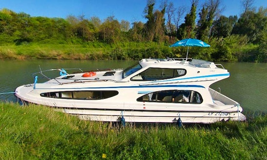 The Romanesque Cruise Aboard A 2 Cabin Canal Boat In Charente, France