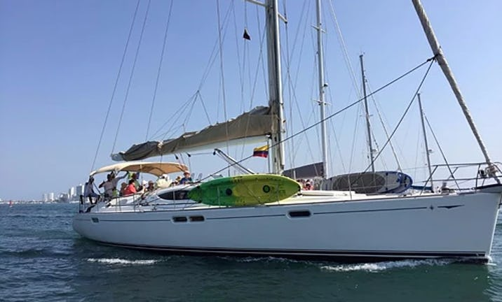 Charter the yacht of your dreams Jeanneau 54 Cruising