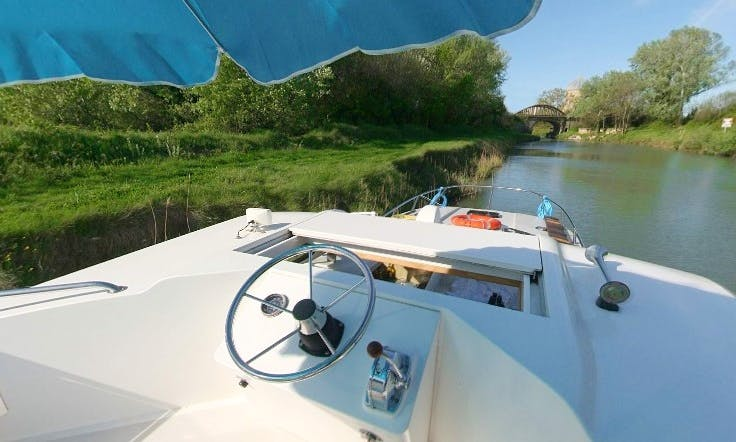 The Artisan Cruise Aboard the Amazing 39' Canal Boat in Brittany, France