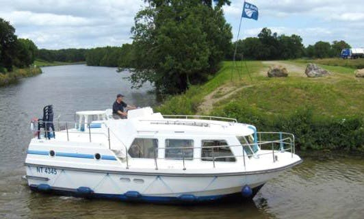 "Enjoy Triple Nations Cruise on a ""Sheba"" Canal Boat"