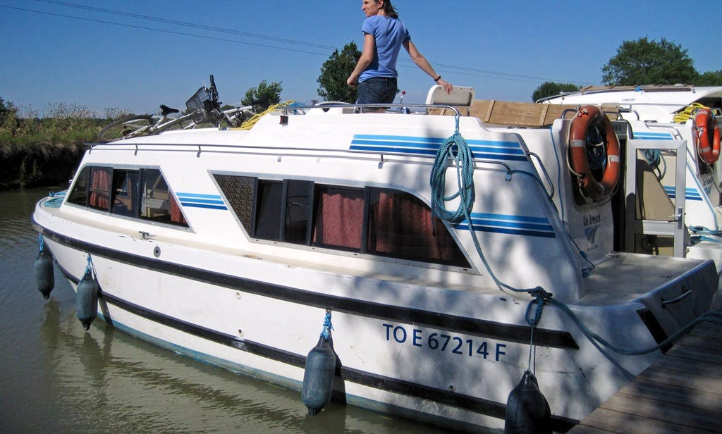 """Enjoy Grands Vins Cruise on a """"Cirrus B"""" Canal Boat"""