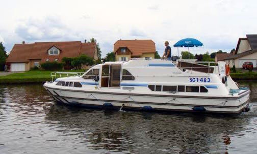 42' Canal Boat with 3 Spacious Cabins | The Arzviller Experience Cruise in France