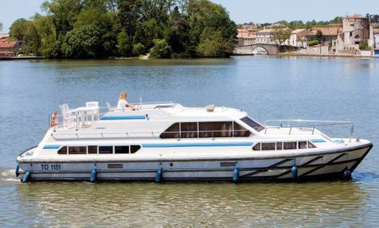 Awesome Boating Holiday In Canal Du Midi, France