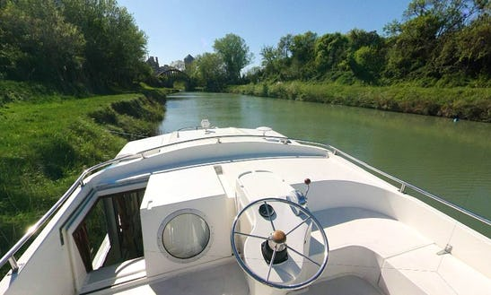 The Midi-robine Cruise On 42' Canal Boat For 6 Person Ready To Book!