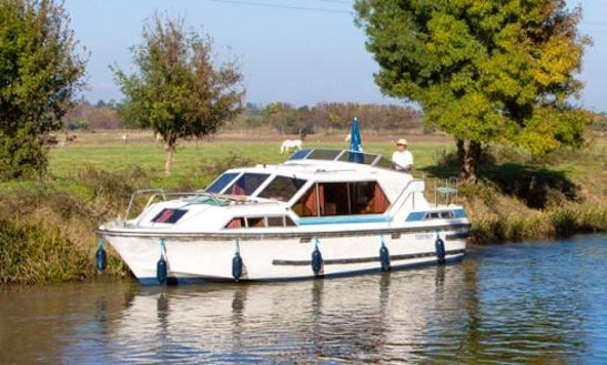 The Nevers And Sancerre Cruise Aboard The 31' Canal Boat In Loire Valley, France