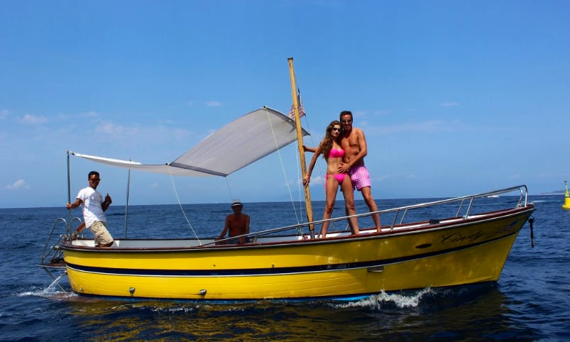 25 ft Traditional Gozzo Cindy Rental in Capri, Campania for 8 pax