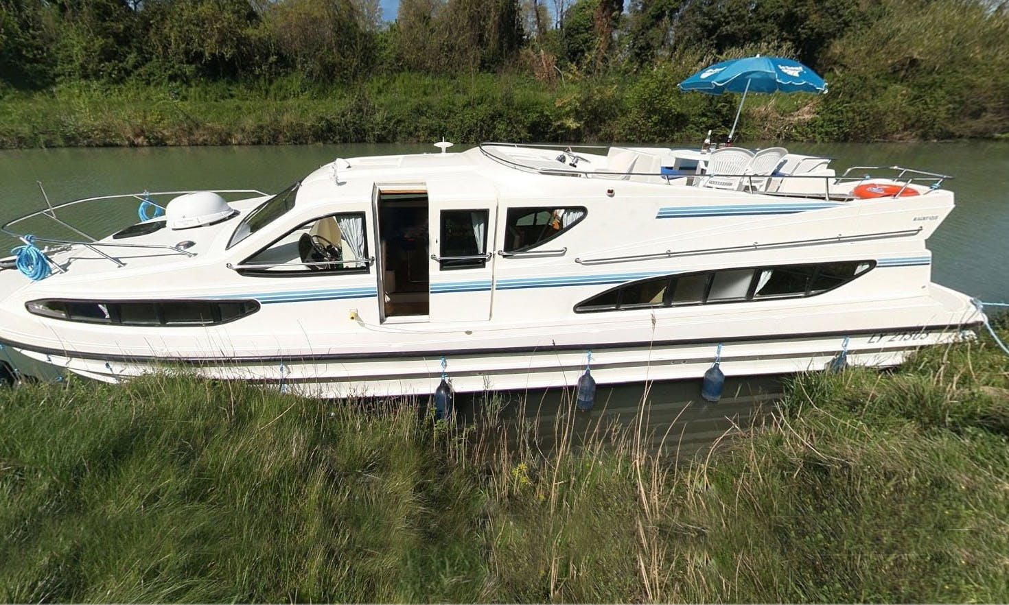 48' Canal Boat for 10 People for Charter in Canal du Midi, France