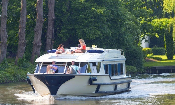 Book a Canal Boat Trip in Canal du Midi, France