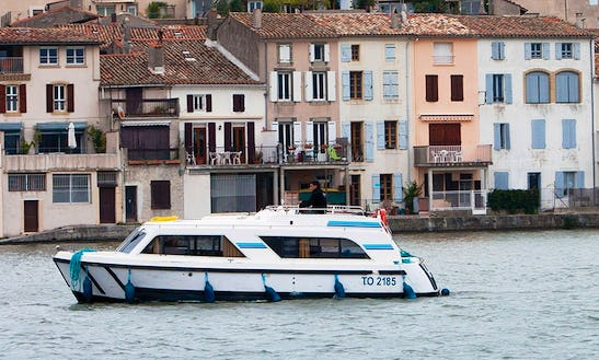 29' Canal Boat For 4 Person Ready To Cruise In Aquitaine, South West Of France