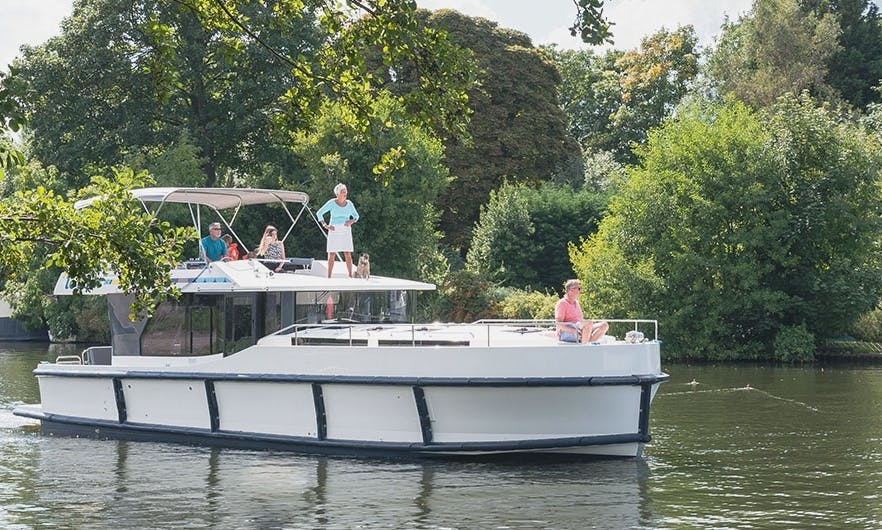 Charter a 42' Canal Boat for 10 People in Alsace-Lorraine, France