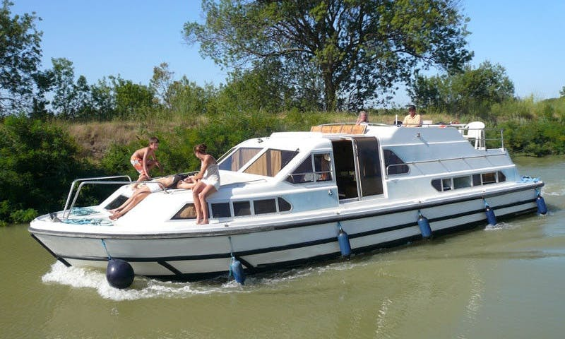 42' Canal Boat for Rent in Canal du Midi, France