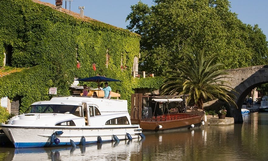 Great Cruising Vacation aboard 42' Canal Boat for 8 People in Canal du Midi, France