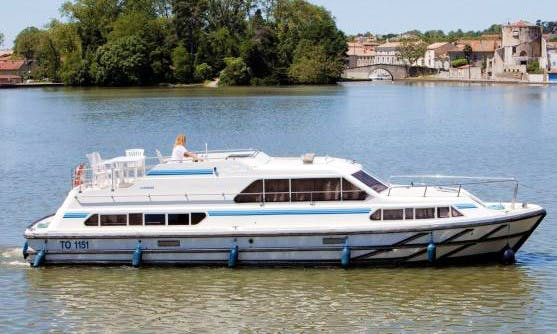 Explore the beautiful Loire Valley, France on a Canal Boat