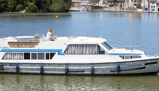 Reserve The 42' Canal Boat For 6 Person In Aquitaine, France