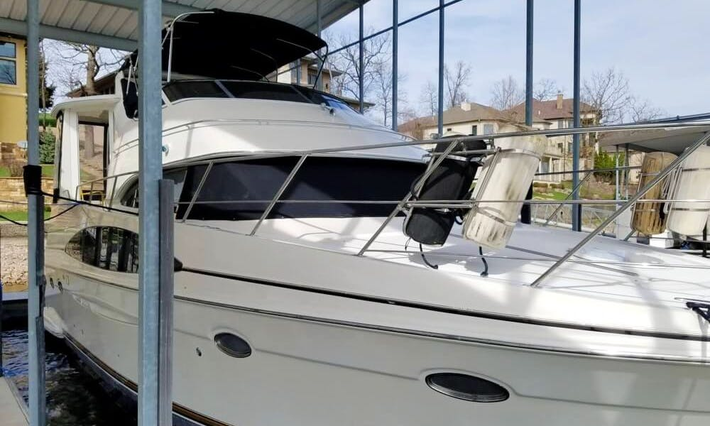 Motor Yacht rental in Lake Norman with captain