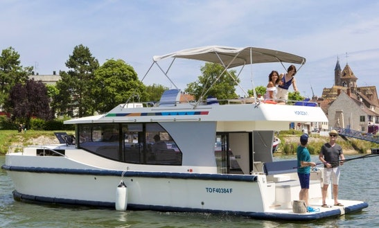 Canal Boat Vacation In Nivernais, France For 4 Person