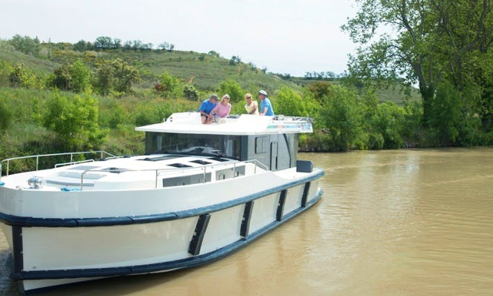 7 night Cruise in Nivernais, France for 8 person