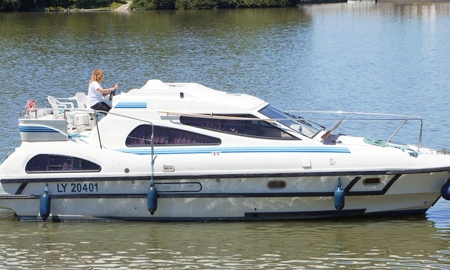 34ft Canal Boat for Rent in Brittany, France