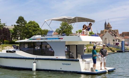 5 Person Canal Boat For Hire With License In Brandenburg, Germany