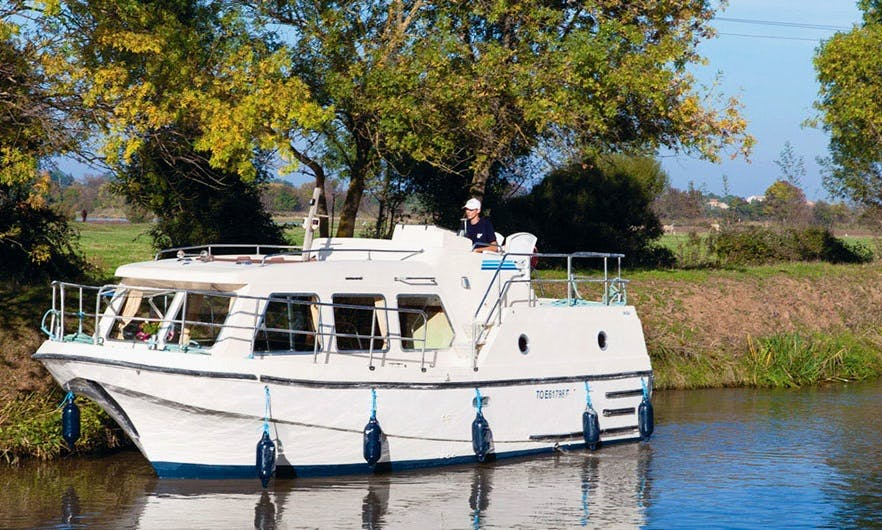 Awesome Boating Vacation for 14 Nights in Brittany, France