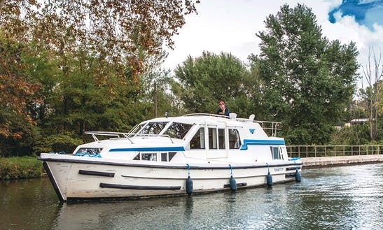 Cruise On A 38' Canal Boat For 4 Guest In Wolfsbruch, Germany (licence Required)