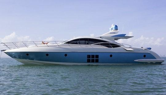 70' Luxury Italian Motoryacht Cruising The Waters Of Nyc To The Hamptons