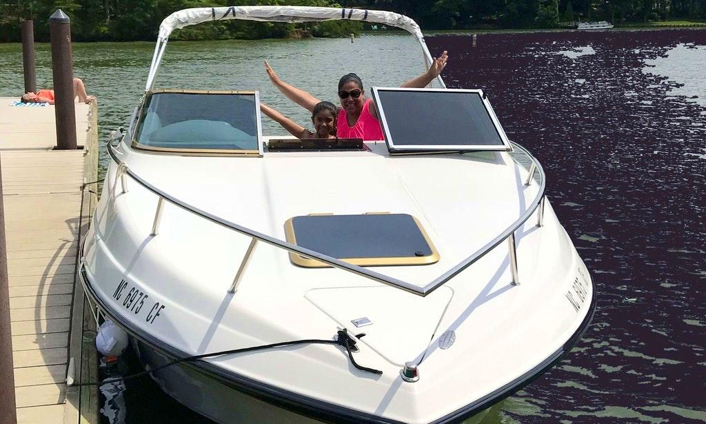 Motor Yacht Lake Norman