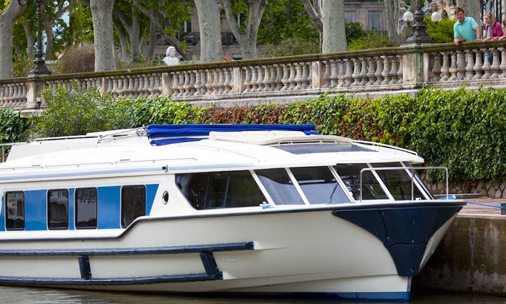 Enjoy World-Famous Lifestyle on Your Boat Lease