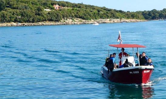 Fun-filled Boat Dive Trips And Scuba Diving Lesson On Pjescana Uvala Coast, Croatia