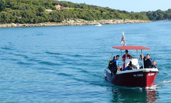 Fun-filled Boat Dive Trips And Scuba Diving Lesson On Pjescana Uvala Coast, Croatia
