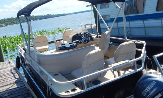 Rent A Pontoon For 8 Person In Deland, Florida!