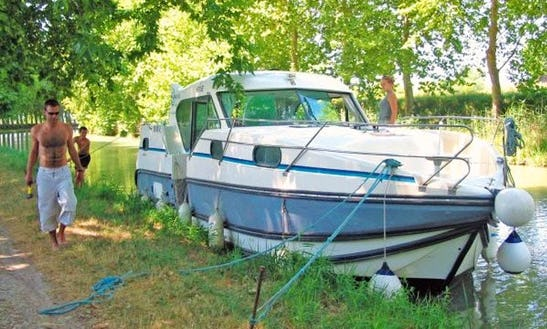 36ft 'confort 1100' Motor Yacht Rental In Bouzies, France