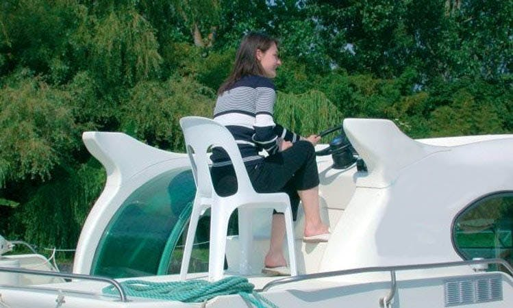 Take your family on a wonderful boating vacation!