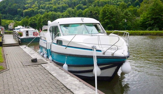 Hire A 29ft 'confort 900 Dp' Motor Yacht In Saverne, France