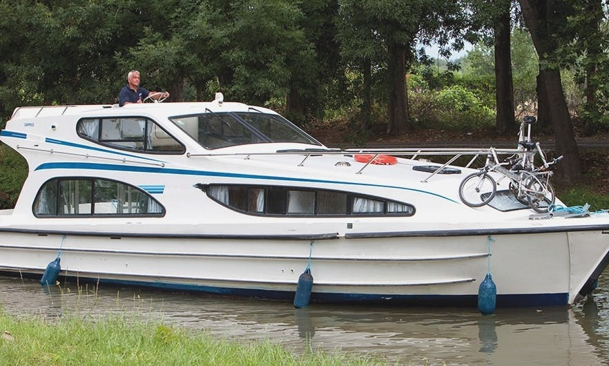 Book A Good Value For Money 39' Canal Boat In Carrick On Shannon, Ireland