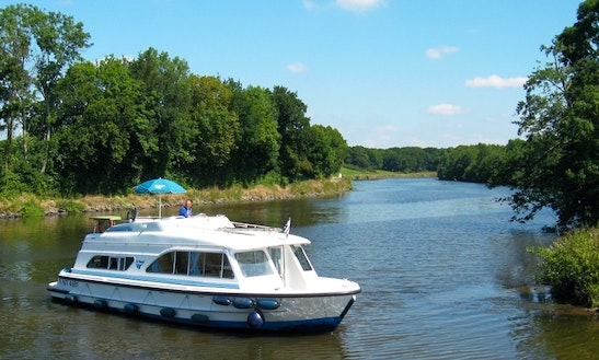 Hire A 38' Canal Boat In Portumna, Ireland For Up To 6 Persons