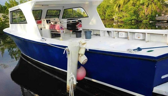 Charter This Splendid Cayman Sunset Motor Yacht In George Town, Cayman Islands