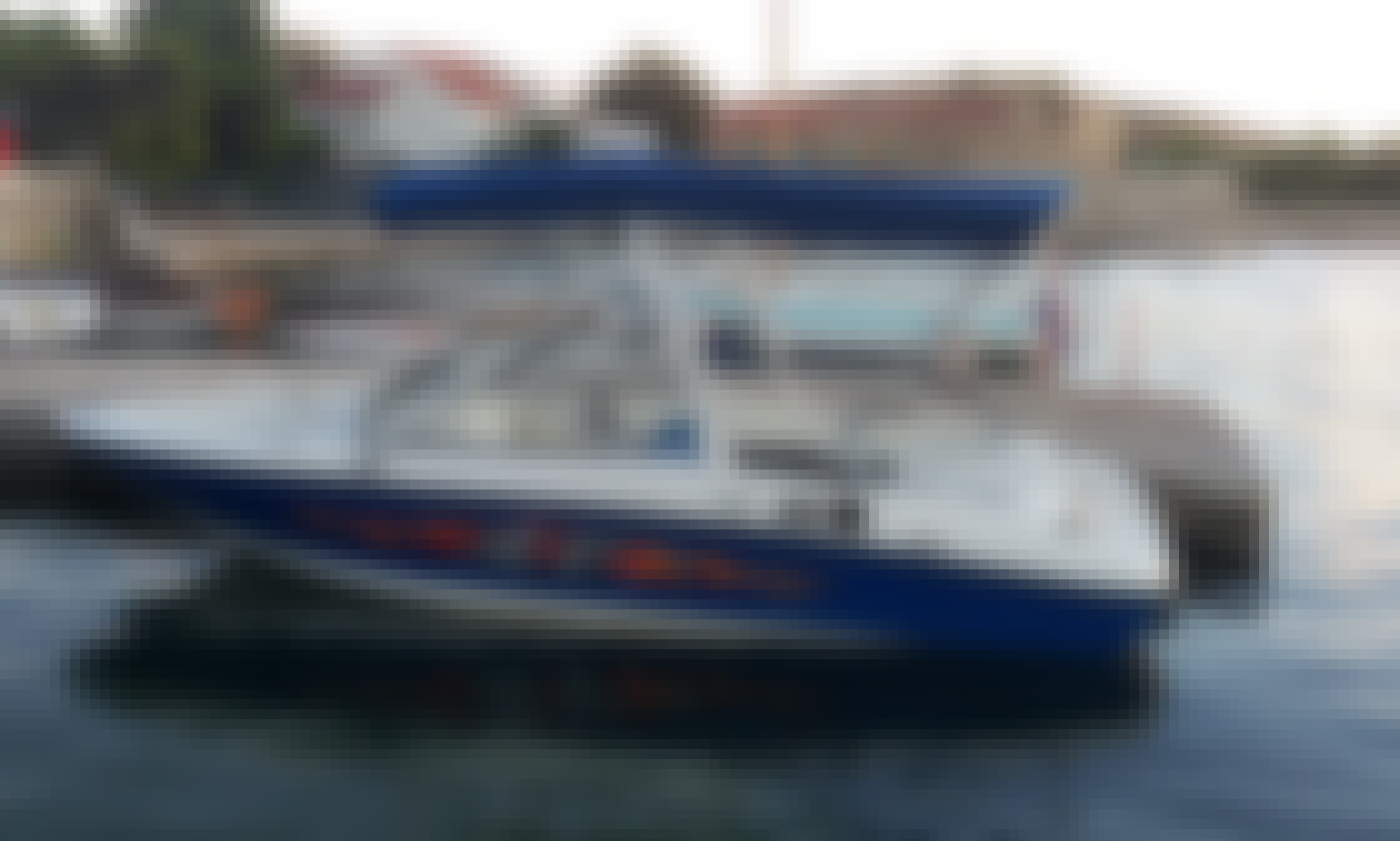 Fast 6 person boat for rent in Nin, Croatia