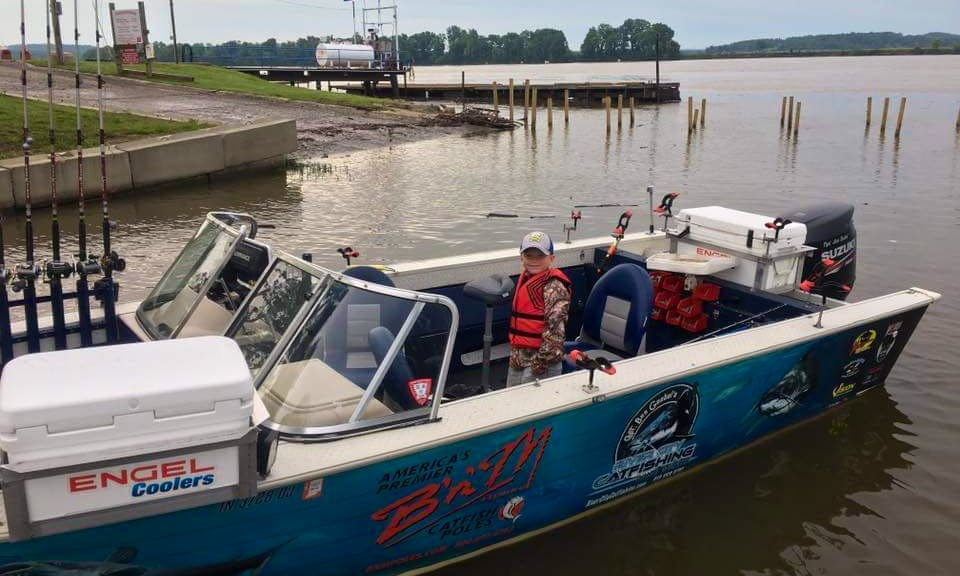 $400 USD per Day Sport Fisherman Fishing Charter for a Group of 5 Persons in Mount Vernon, Indiana