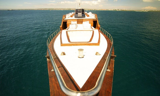 Dragoon130 - Bali Yacht Party & Cruise