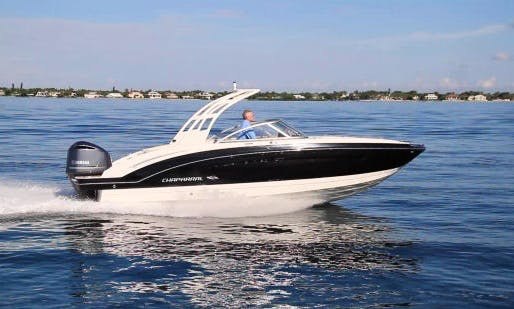 Amazing Chapparal Signature 270 Yacht rental in Chicago