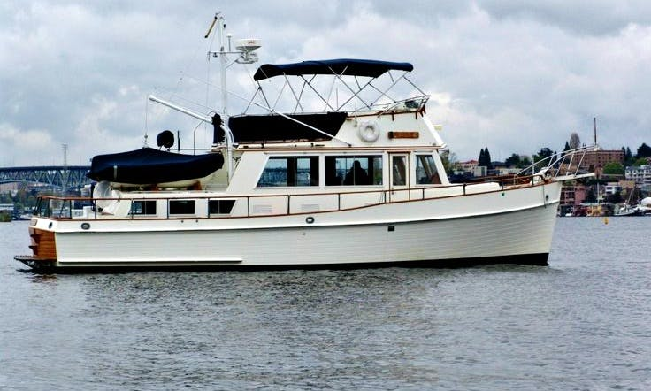 42ft Grand Banks Classic Trawler Boat Charter in the San Juan Islands *Captain Included*