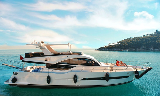 Private Luxury Yacht Rental In İstanbul