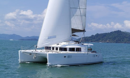 Luxury 3-cabin Lagoon 450 For Sailing With Family Or Friends In Balearic Area / Barcelona