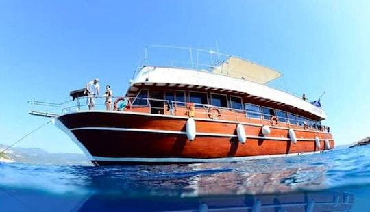 Anemon Diving Boat In Antalya