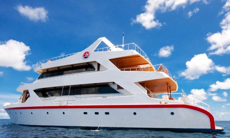 "98ft ""Sunset Queen"" Motor Yacht Charter in Malé, Maldives"