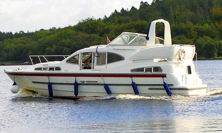 """Luxury """"Inver Duke""""Motor Yacht Charter in Limerick"""