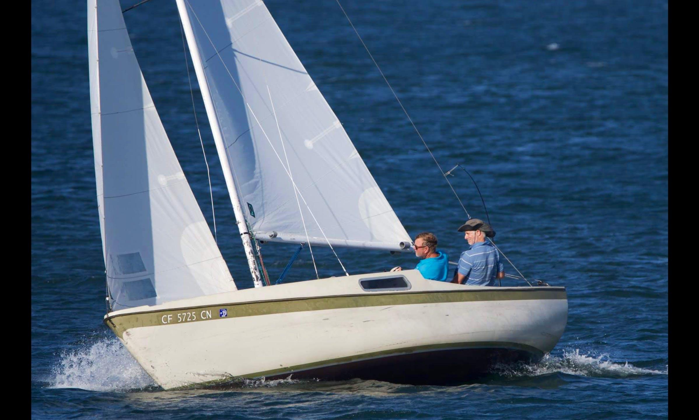 Sailing Cal 20 Daysailer for 6 people in Long Beach, California