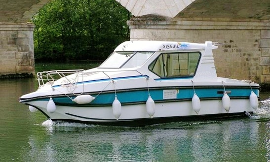 Cuddy Cabin Boat For 3 Person Ready For Hire In Venarey-les-laumes, France