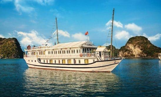 Enjoy Cruising In Thành Phố Hạ Long, Vietnam On Seasun Passenger Boat